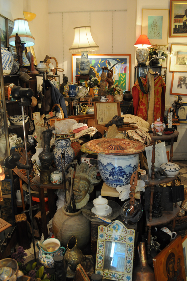 antique shop, curios, paris, mish mash, nikon d5000, untouched